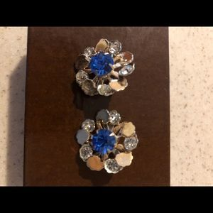 Jewelry - Vintage 1950's gold plated brooches w/crystals